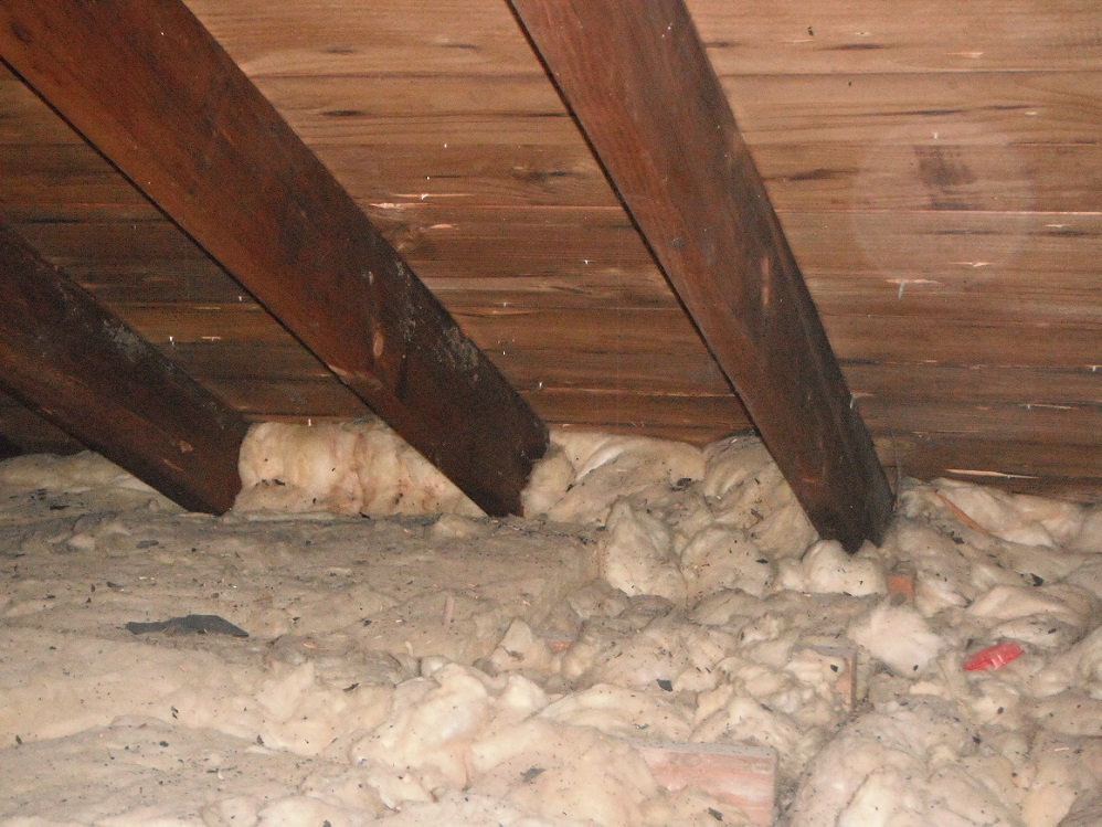 Insulation Blocks The Soffit Vent Orland Park Home Inspection Photo
